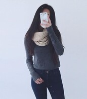 jeans,grey,sweater,blue,grey sweater,infinity scarf,scarf,cute outfits,blue jeans,skinny jeans,phone cover,off-white,knitted sweater