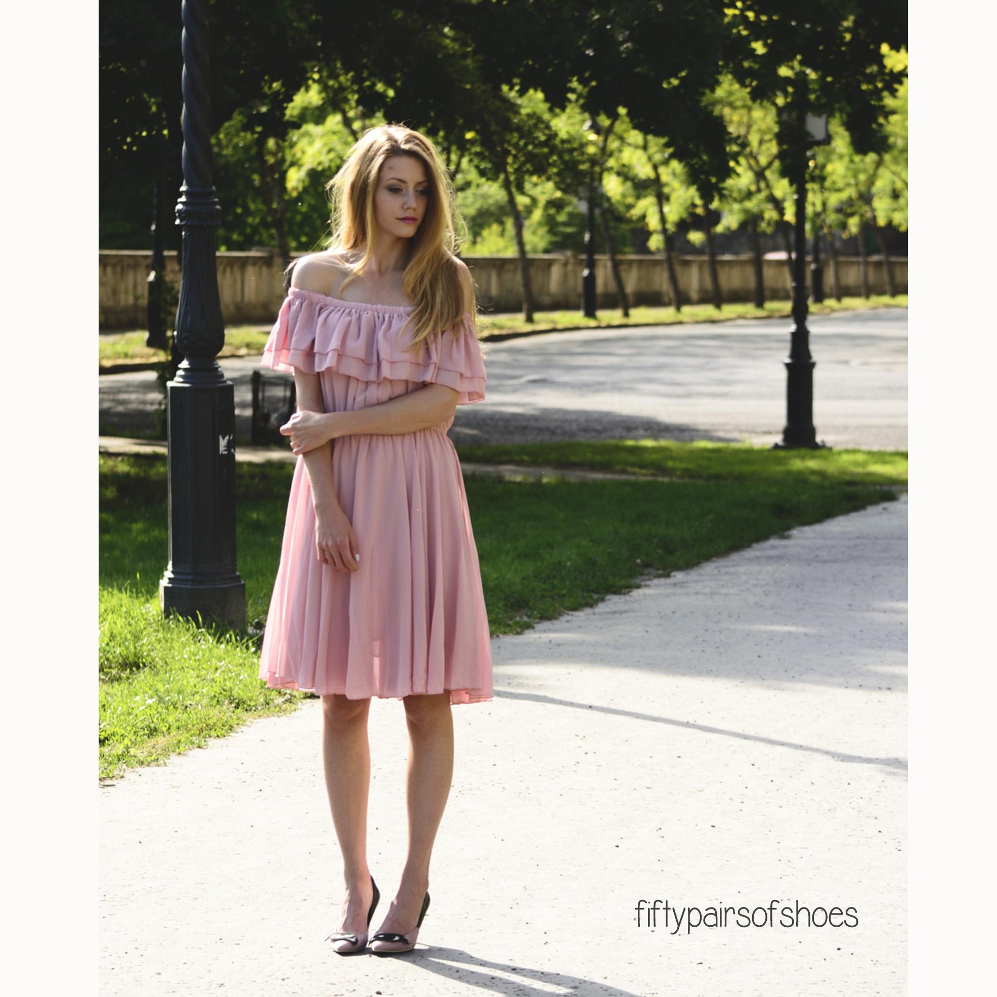 501ef3789e19 Endless Off-shoulder Frilling Dress in Pastel Pink - Retro