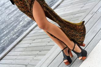 black skirt shoes print maxi skirt maxi heels heel high heel wooden wood heel wood flowy wedges