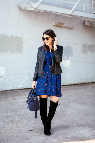 kendi everyday blogger blue dress printed dress suede boots black boots black leather jacket satchel bag