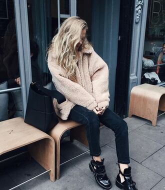 coat tumblr nude coat fuzzy coat denim jeans black jeans boots cut-out ankle boots cut out ankle boots black boots flat boots bag black bag winter outfits winter look beige fluffy coat minimalist bag