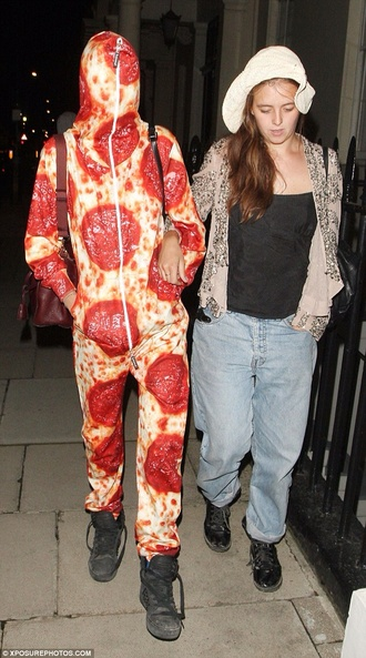 jumpsuit caradelevigne pizza tumblr outfit brandy melville forever 21 printed pants printed leggings