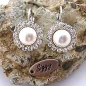 jewels,siggy jewelry,swarovski,earrings,pearl,bridal,pave,halo earrings,sparkle,elegant,formal,black tie,wedding,bride,style,fashion,bling,classy,drop earrings,shop local,etsy,mothers day gift idea,siggy earrings