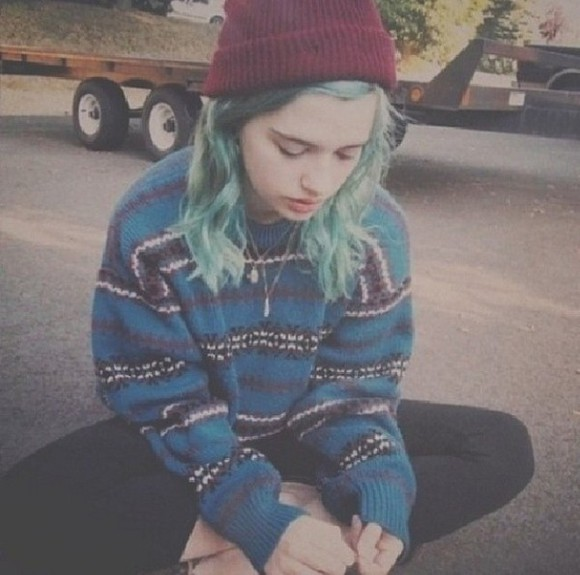 sweater oversize black red blue grey white violet purple green hair hat