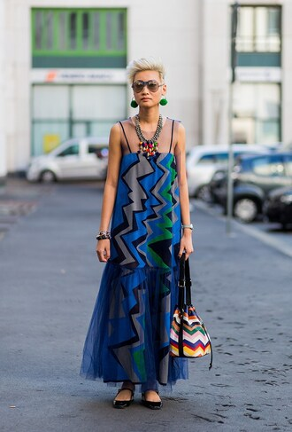 dress fashion week street style fashion week 2016 fashion week milan fashion week 2016 printed dress maxi dress pattern bag printed bag flats ballet flats black flats necklace earrings sunglasses chevron