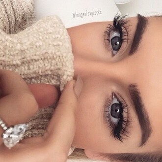 make-up eyes eyeliner eyelashes eye makeup black pretty makeup palette sweater white sweater