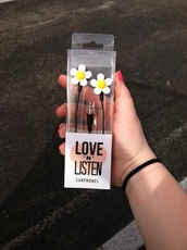 phone cover,daisy,flowers,earphones,daisy earphones,black with daisys,music,home accessory