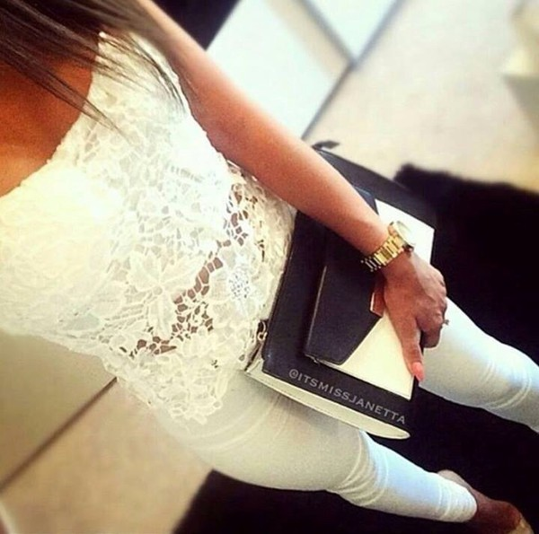 white pants skinny pants skinny top laced top laced black and white Bah bag mini bag classy summer outfits sun lace up mini bag