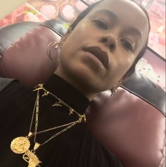 jewels jewelry gold chain gold gold necklace gold choker guns and roses choker choker necklace necklace instagram style layered accessories accessory gun rose roses gun choker