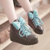 shoes,bows,lace,brightblue,black,combat,ankleboots