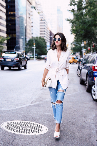 jeans white shirt ripped jeans white strap heels blogger sunglasses