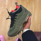 shoes,green sneakers,shorts,nike,nike shoes,navy green,green,sneakers