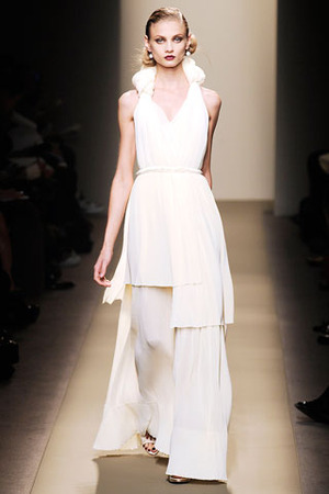 Celebrities who wear, use, or own bottega veneta fall 2009 dress / coolspotters