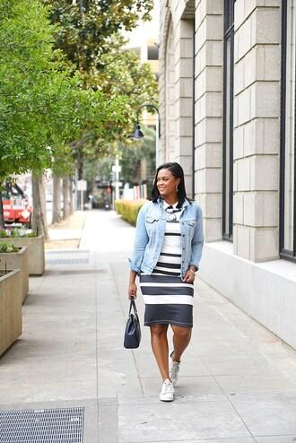 the lipstick giraffe blogger jacket sweater dress bag shoes make-up denim jacket sneakers