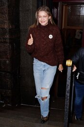 sweater,fall outfits,fall sweater,gigi hadid,model off-duty