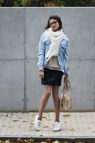 ceci bloom ceci bloom   blogger scarf denim jacket nude bag white sneakers