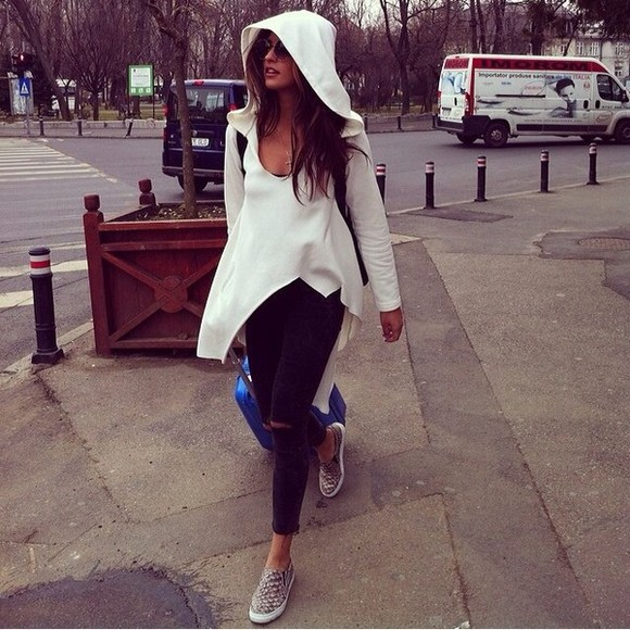 shoes coat white jacket oversized white sweater white sweater white sweater jacket white sweater poncho white poncho