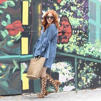tf diaries blogger dress bag shoes gladiators knee high gladiator sandals basket bag blue dress summer outfits