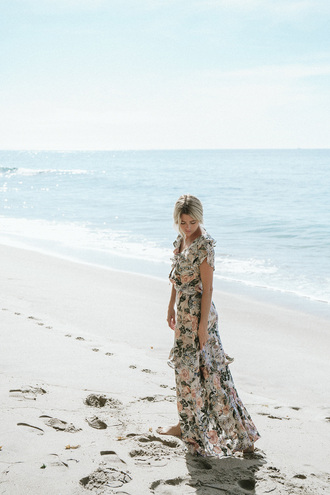 tips by trendy chickadee blogger dress maxi dress floral maxi dress