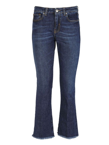 two women in the world jeans