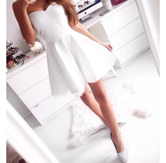 dress mini dress white dress prom dress strapless dress style simple dress high waisted girly cute formal want this so much white strapless plain white cheap £ with straps would be best t thanku skater dress graduation dress