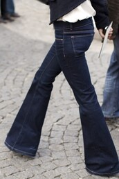 jeans,flare jeans,bell bottoms,wide leg,dark jeans,dark wash jeans,dark wash wide leg jeans,low rise