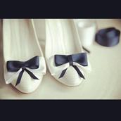 shoes,flats,ballet flats,white,blue,blue ribbon