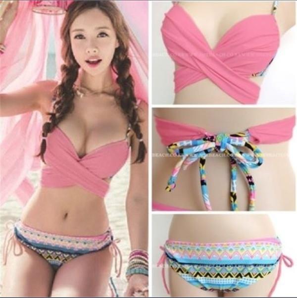 Superbes asiatiques en bikini sur 2Folie