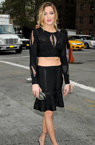 dress dream it wear it black black dress two-piece cut-out cut-out dress long sleeves katie cassidy arrow gossip girl party party dress cool cool dresses show off your stomach sexy sexy dress