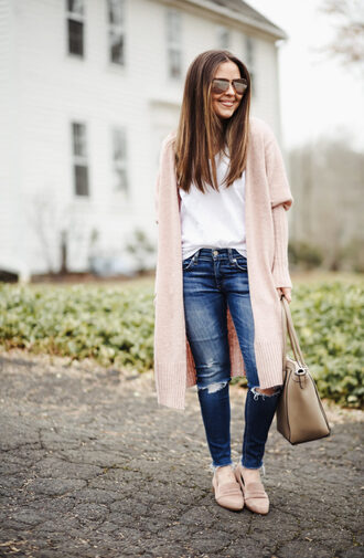 dress corilynn blogger cardigan jeans t-shirt shoes bag jewels nude cardigan spring outfits loafers