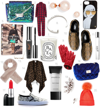 where did u get that blogger bag make-up jewels hat pearl vans gloves pom pom beanie printed vans