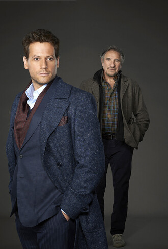 ioan gruffudd forever pea coat tvshow navy coat coat jacket blue coat menswear mens suit navy classy