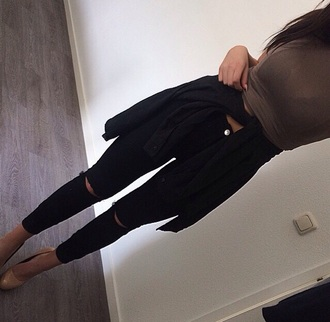 jeans black and the shirt
