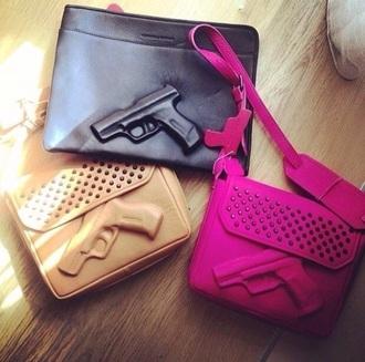bag black gun