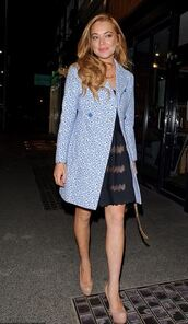 coat,dress,lindsay lohan,pumps