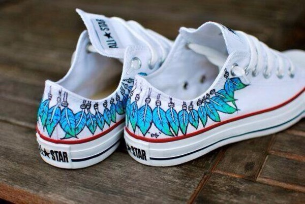 shoes white converse converse custom made jumpsuit dreamcatcher painted white blue red converse converse converse white converse convers jeans allstars allstar white shoes sneakers blue feathers green native american native cool