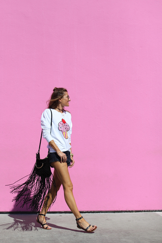 b a r t a b a c blogger sweater shorts shoes bag sunglasses white sweater fringed bag black bag black shorts black flats