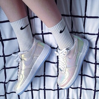 shoes nike nike running shoes holographic holographic shoes cute pretty rainbow kawaii grunge tumblr
