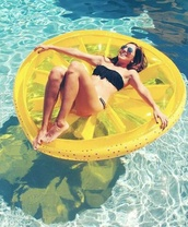 swimming,pool,lifestyle,pool accessory,fruits,pool party,weekend escape,home accessory,bag,citroen pool swim