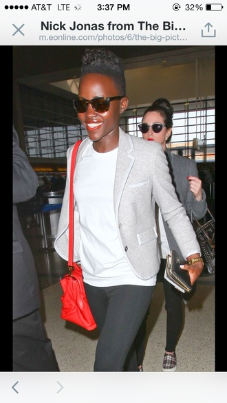 jacket blazer lupita nyong'o grey red t-shirt white bag