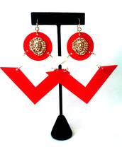 jewels,earrings,lionhead,red,gold,white,triangle