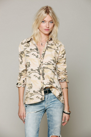 artisan de luxe womens camo buttondown hi low top