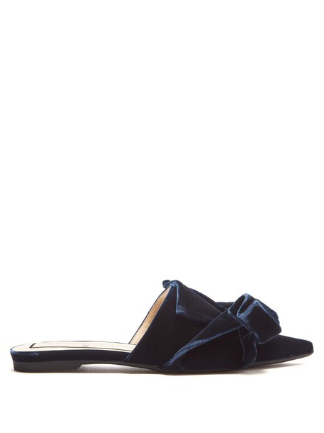 No. 21 bow shoes velvet navy