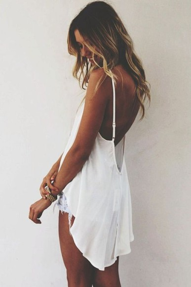 tank top white white tank white shirt high low high low shirt beachy beach wavy hair low back open back straps loose low cut back