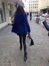 sweater,fur vest,fur gilet,vest,gilet,fur,blue fur vest,blue fur gilet,blue vest,pretty,beautiful,model,streetstyle,tumblr,tumblr girl,michael kors,monochrome,skinny,leather leggings,leather,shoes,bag,coat,fall outfits