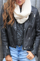 scarf,snood,winter outfits,knitwear,warm,leather,jacket,biker,sweater,perfecto,black leather jacket,knitted scarf,grey sweater