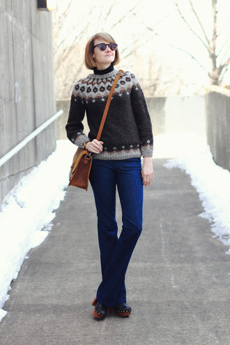 district of chic blogger jeans satchel bag knitted sweater sunglasses sweater shoes bag