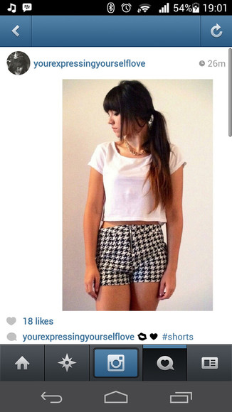 printed shorts black and white dogtooth