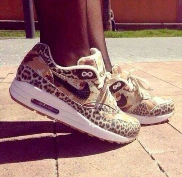 Nike Wmns Air Max 1 PRM Desert Camo Leopard (454746-902):Amazon:Shoes