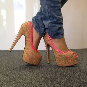 shoes pink tan triangles pretty pumps high silver spinkes spikes high heels